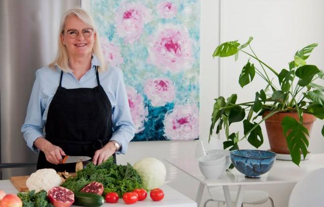 Anne Saarenoja on saanut monet sekasyöjätkin innostumaan kasvisruoasta.