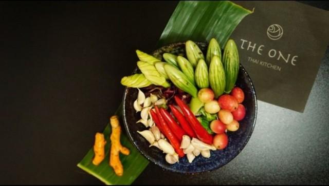 The One Thai Kitchenissä herkutellaan itse tehdyllä currylla ja tulisella papayasalaatilla.