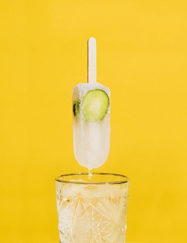 Poptaileja voi nauttia myös drinkkien lisukkeena.