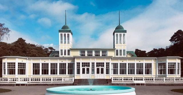 Hangon Casino on perustettu vuonna 1879. Siitä lähtien Casinolla on juhlittu suurella ilolla.