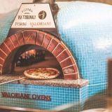 Pizzeria Via Tribunali tuo napolilaiset pizzansa Kurviin