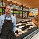 Viinibaari, juustohuone, oma leipomo ja kalakauppa – Espoolaisessa K-Supermarketissa voi maistella Pirkka-viinejä ostosten lomassa