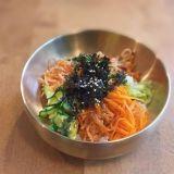Ehtaa korealaista bibimbapia Punavuoressa – Ravintola Manna tekee kimchiä myös vegaanisena