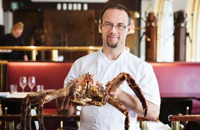 Marko Loman pitää ravintoloista, jotka haastavat myös asiakasta esimerkiksi erikoisilla raaka-aineilla.