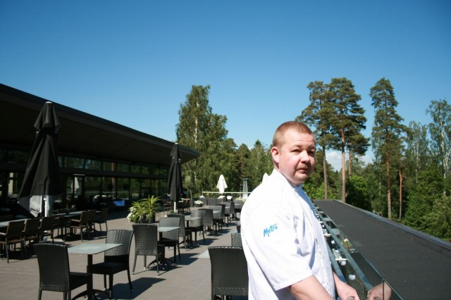 Asiakkaan elämys on paljon muutakin kuin ruoka, tietää Långvik Congress Wellness Hotellin keittiöpäällikkö Petteri Linna.