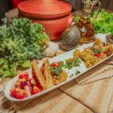 Välimeren makuja ja herkullisia mezejä Kalliossa – Frantoiossa falafelitkin tehdään itse