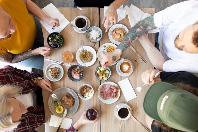 Flät 14:n aamiaistarjonta koostuu erillisistä annoksista, joita voi yhdistellä mielensä mukaan.