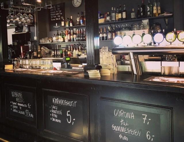 Wiskarilassa voi maistella Arttu Wiskarin biisien mukaan nimettyjä drinkkejä.