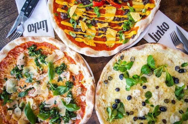 Linko Pizzabarin täytteissä on käytetty mielikuvitusta.
