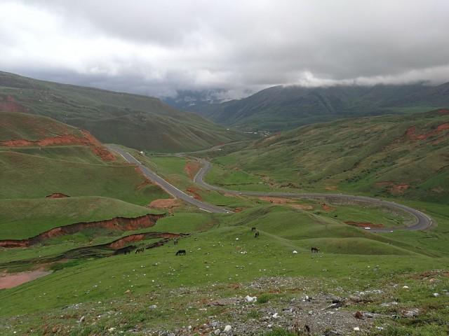 Kirgisiasta matkalla kohti muita stan -maita: Tajikistania, Uzbekistania ja Turkmenistania. Pakistanin ja Afganistanin skippasimme.