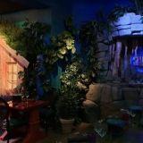 Ravintola Laava on kuin aikuisten huvipuisto – Teemahuoneet tulvivat mystistä tunnelmaa ja erikoisefektejä