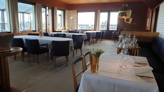 Alvar ja Aino Aalto suunnittelivat Savoyn alkuperäisen sisustuksen.