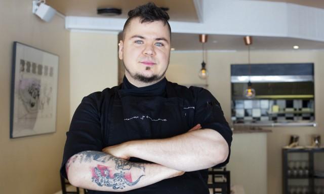 Ilmari Saarikoski valmistaa hyvää ruokaa isolla rakkaudella.