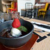 SYÖ! Helsinki: Uutuusravintola Chop Chop tarjoilee bibimbap-kulhonsa sihisevän kuumina
