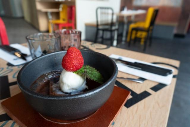 Chop Chopissa jopa jälkkäri tarjoillaan pöytään tirisevän kuumana.