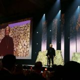 Brené Brown paljasti Nordic Business Forumissa millaisia tarinoita aivomme tarvitsevat ja miksi