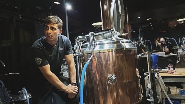 Kasper Villa tietää paljon oluesta ja oppii tekemällä lisää päivittäin.