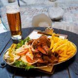 Jeti´s Kebab –Kebabia suomiturreille Tallinnassa