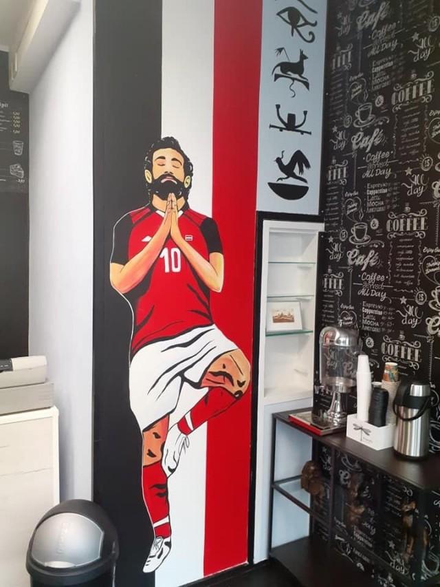 """Oman tunnelmansa Capo33:n tuo """"Egyptin neljäs pyramidi"""", jalkapalloilija Mo Salah."""