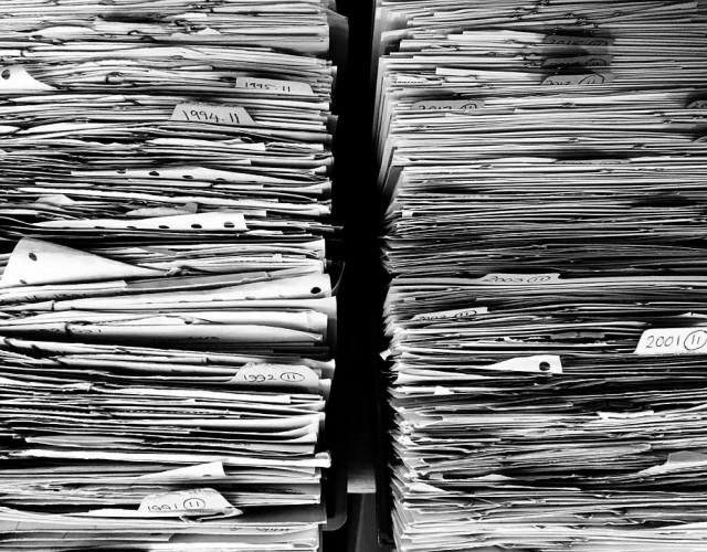 """""""Tee paperitöitä."""" (kuva pixabay)"""