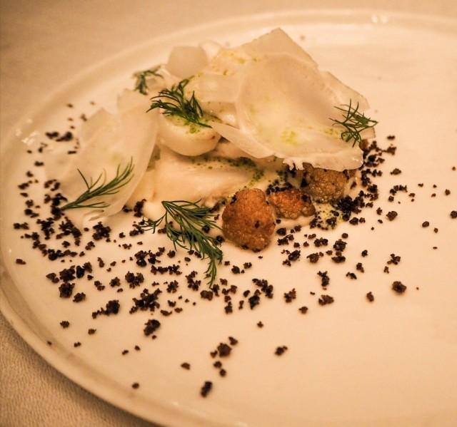 Lyon osasi yhdistää ranskalaisen perinteen kotimaisiin raaka-aineisiin. Kuvassa esimerkki ravintola madeannoksesta.