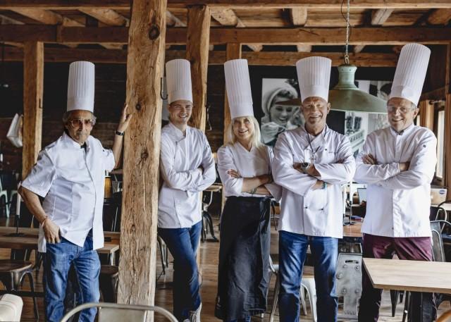 Vasemmalta: Ami Hasan, Perttu Pölönen, Merja Rahkola-Toivanen, Juha Toivanen ja Heikki Kovanen.