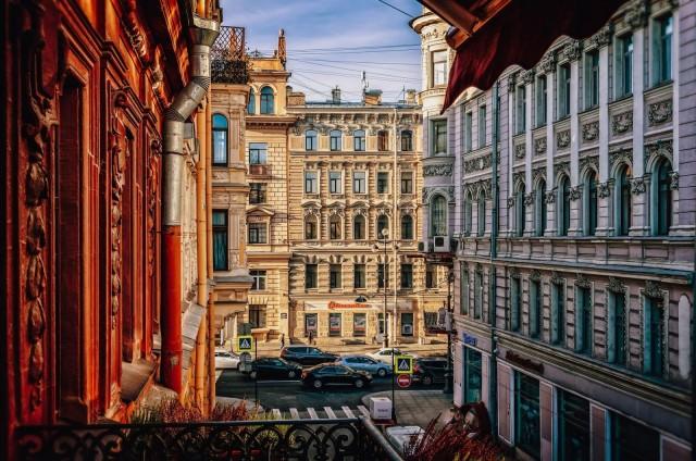 Pietarin arkkitehtuuri on kiehtovaa.