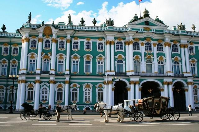 Keisarinna Elisabet rakennutti Talvipalatsin, joka on italialaisarkkitehti Francesco Bartolomeo Rastrellin käsialaa.