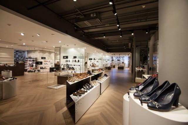 Helsingin Stockmann tarjoaa naisille kenkäparatiisin.