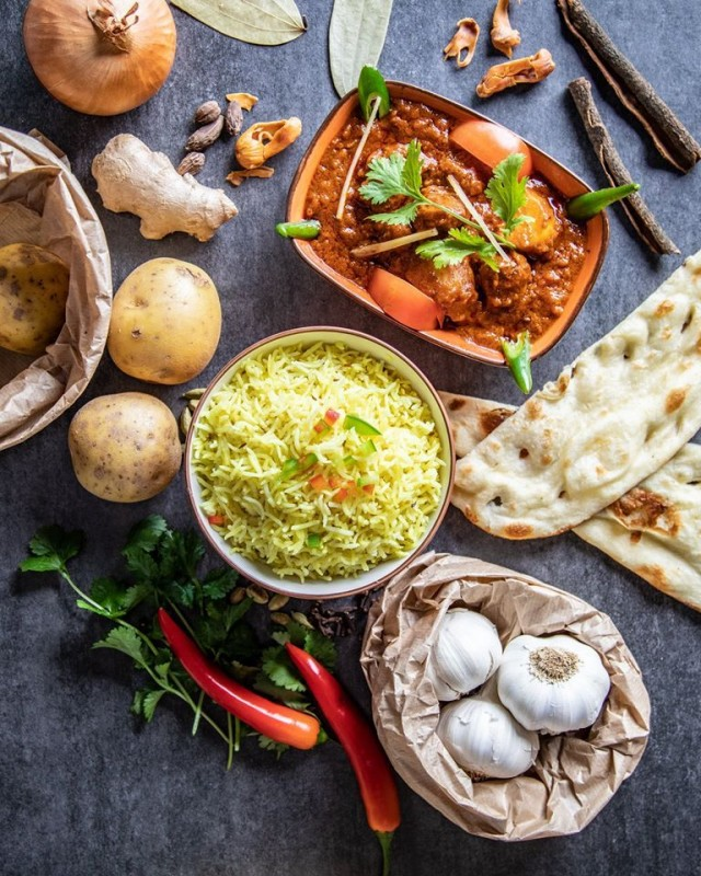 Mausteet ja yrtit ovat intialaisen ruoan sielu.