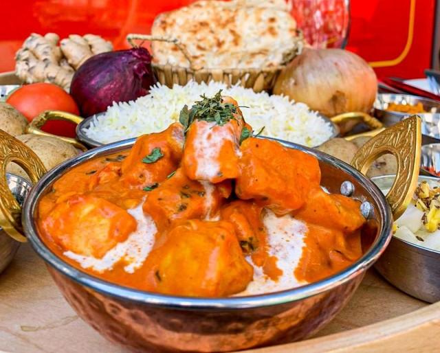 Ravintola Masala tarjoaa värikkäitä, mausterikkaita annoksia, kuten upean Chicken Korman.