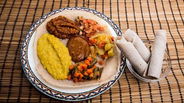Addisin vegaaniannos sisältää runsaasti erilaisia makuja.