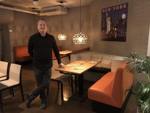 Hotelli- ja ravintolapäällikkö Mika Tirri.