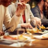 """Näitä ruokia suomalaiset tilaavat nyt ravintoloissa: """"Pizza ja hampurilaiset ovat korona-ajan voittajia"""""""