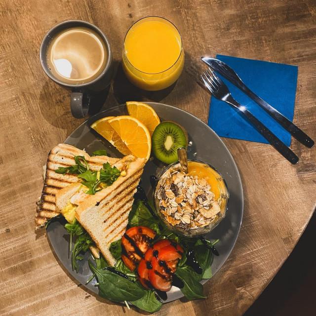Uuden kahvilan aamupalat ovat maistamisen arvoisia.
