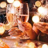 Uusivuosi kotona tai ravintolassa: Nämä paikat tarjoavat herkkuja vuodenvaihteen juhlintaan