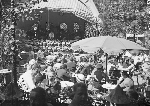 Ennen 1970-lukua Kappeli toimi ainoastaan kesäravintolana.