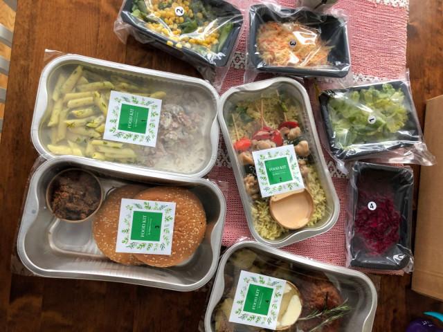Ruoat on pakattu käteviin annospakkauksiin.