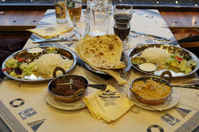 Nepalilaisia makuja pääsee maistelemaan White Himal -ravintolassa.