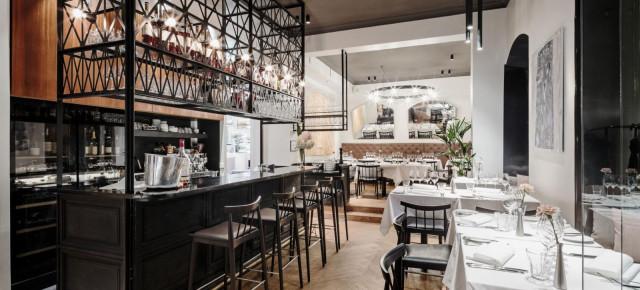 Ravintola Vinkkeli on kodikas ruoka- ja viiniravintola.