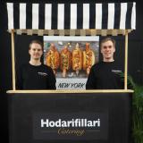 Vahingossa syntynyt liikeidea poiki yrityksen: Hodarifillarin tavoitteena on tulla tunneksi Suomen parhaista hodareista - ja iloisesta meiningistä