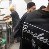 Koronavuoden voittaja laajensi Jätkäsaareen - Bonelessin burgereita himoitaan nyt enemmän kuin koskaan: