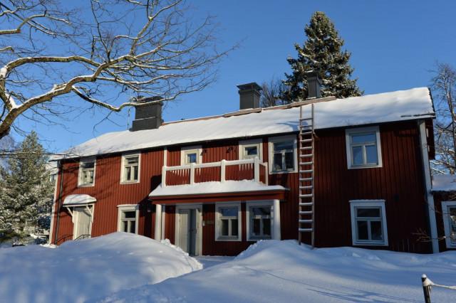 Punainen huvila on Lauttasaaren vanhin rakennus