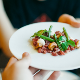Maaliskuun tärpit: Nämä ravintolat tarjoavat nyt take away -ruokaa Turussa