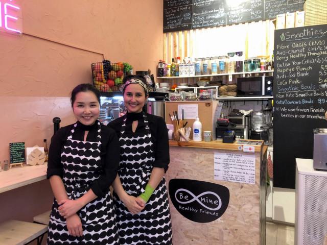 Ravintolan omistajat Belle Aphipanya (vas.) ja Jasmine McAlpine .