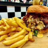 Tikkurilaan laajentanut Mike's Diner on enemmän kuin pelkkä burgerimesta -