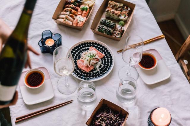 Sushibar + Winen susheja saa tietysti myös take awayna.