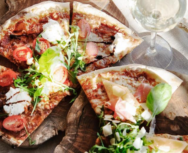 Piilosta saa italialaisia herkkuja, kuten pizzaa.