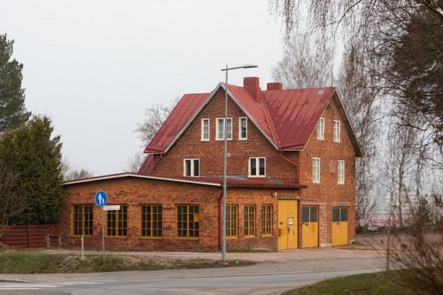 Korkkitehtaan talo on tiettävästi alun perin rakennettu vuonna 1936. Kiinteistö on ulkokuoreltaan kaavassa suojeltu. Korkkitehtaan uudistamisessa myös sisätiloja entisöidään niin paljon kuin mahdollista