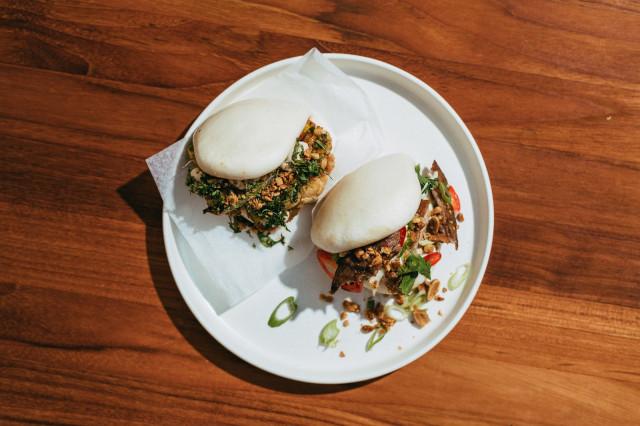 Täytetyt, aasialaiset höyrysämpylät ovat kesäruokaa parhaimmillaan.